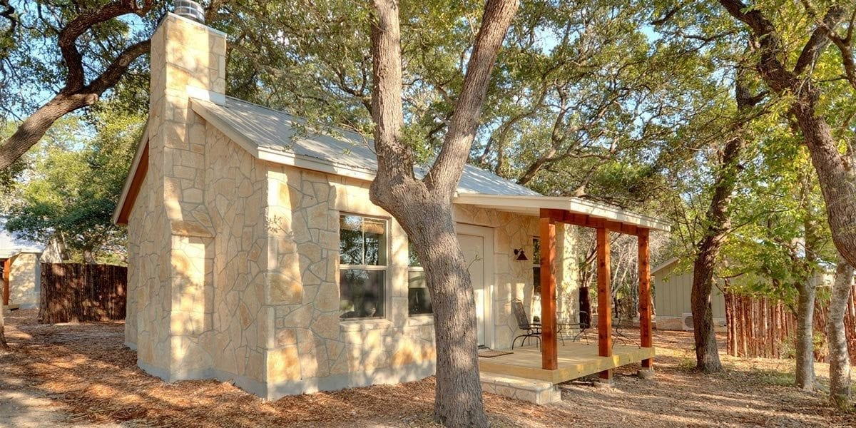 Cabins at flite acres desert willow wimberley vacation for Texas hill country cabin builders