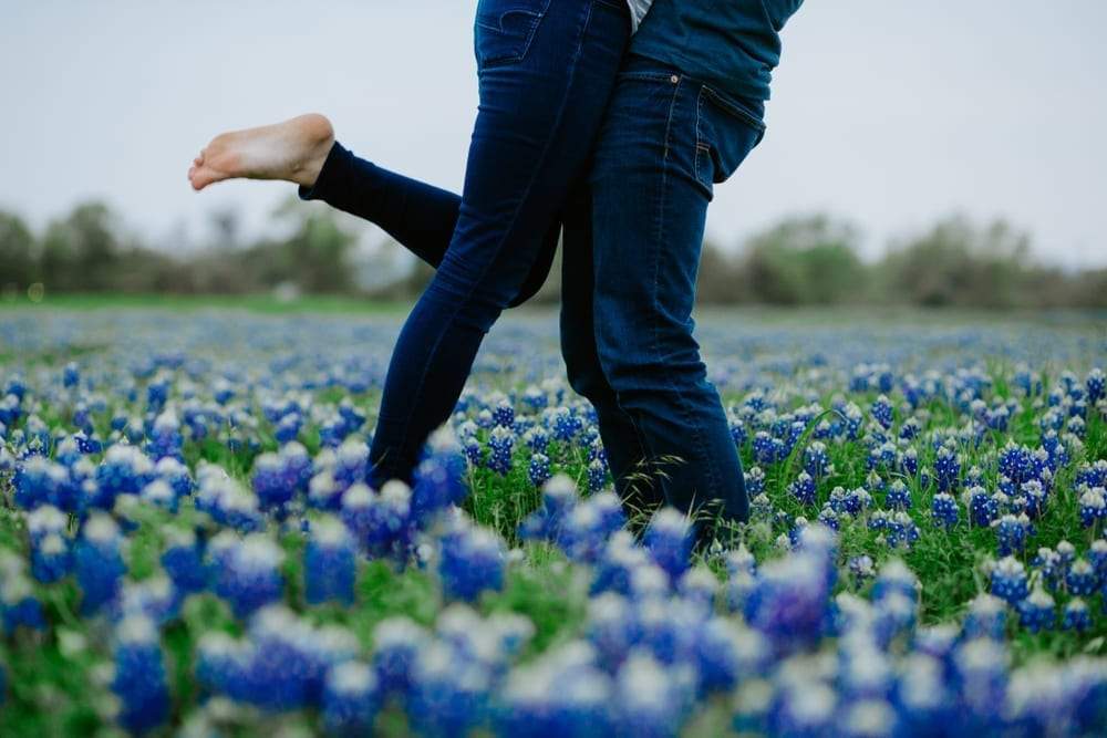 Share your love in the Texas Hill Country in a fantastic, luxury cabin.